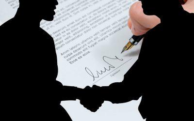 ¿Cuál es la diferencia entre un contrato de agencia y un contrato de distribución?