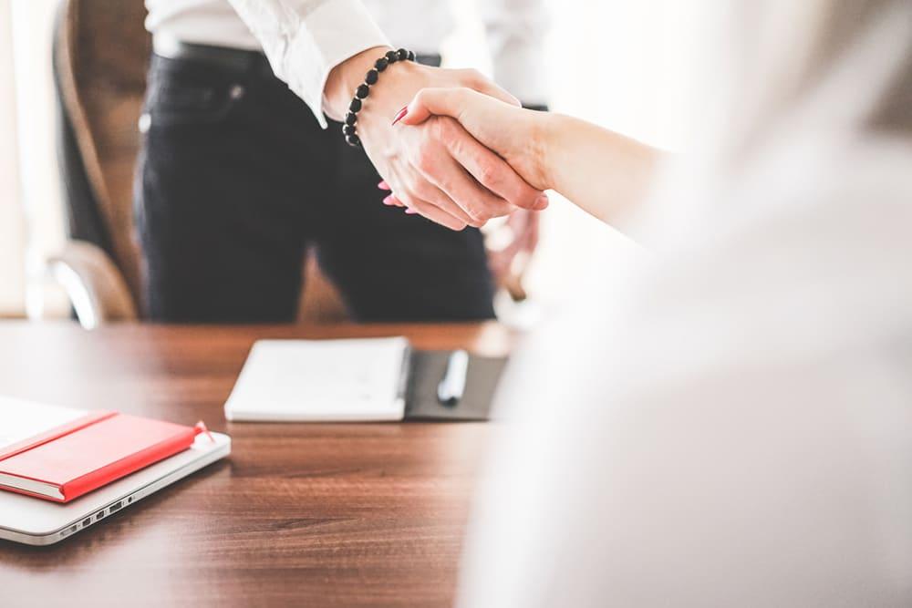 Montar un negocio: ¿elijo uno propio o es más seguro una franquicia?