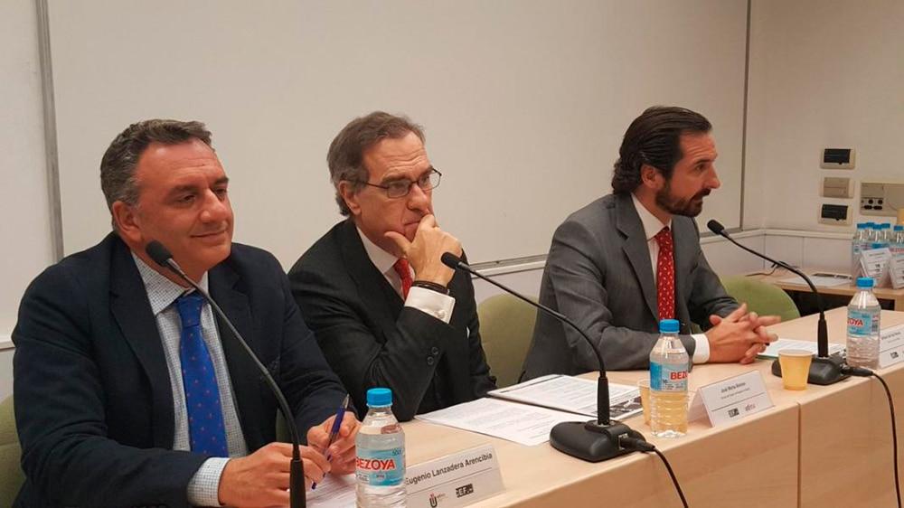 Nelia Álvarez, de Peña Ochoa & Granados, en la II Jornada de debate sobre la práctica de la abogacía